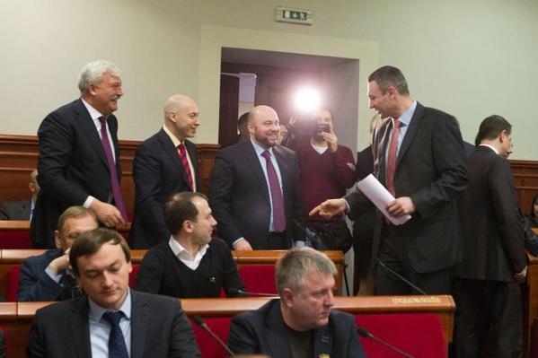 Кличко призвал депутатов Киевсовета «скинуться» по 2 тыс грн на консервацию «Жовтня»