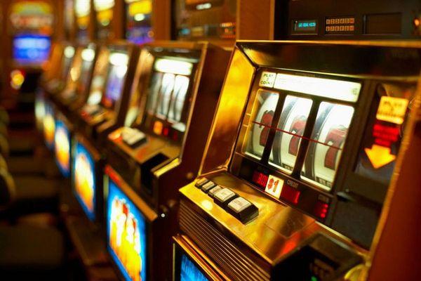 Игровые автоматы горячая линия украина 20012 игровые автоматы 77777 семерок