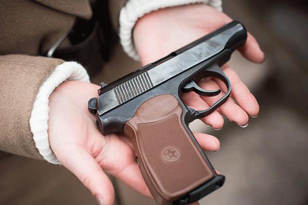 В Каменском проходит добровольная сдача оружия