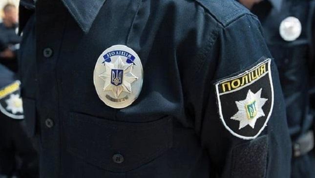 Полицейские спасли людей изпожара вКиеве: видео происшествия