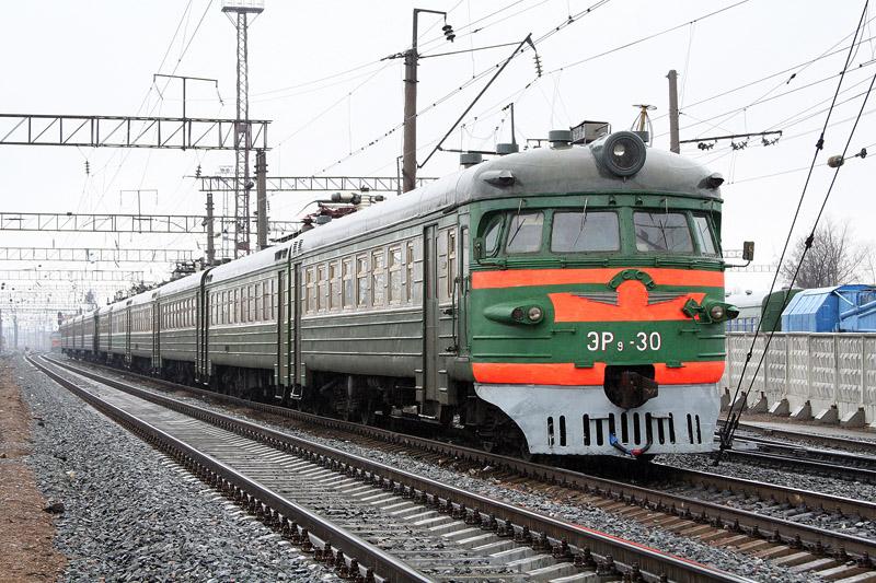 Под Киевом поезд насмерть сбил ребенка