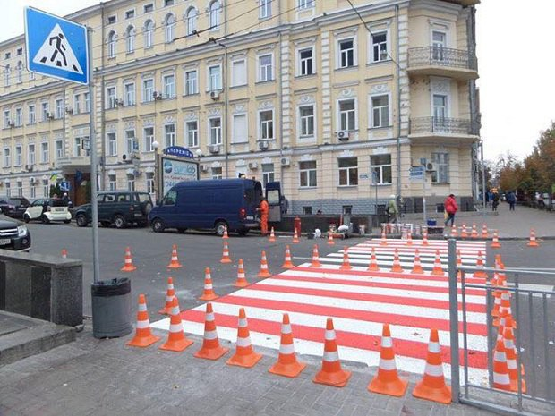 ВКиеве приняли решение обустроить 9 наземных переходов наКрещатике