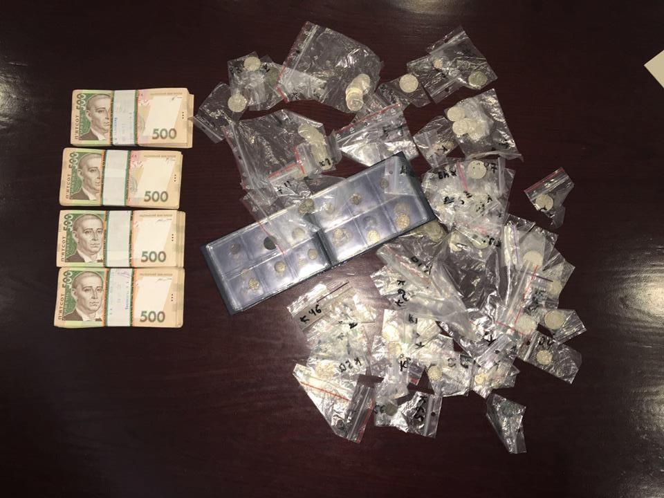 Арестованы полицейские, укравшие коллекцию монет— Киев