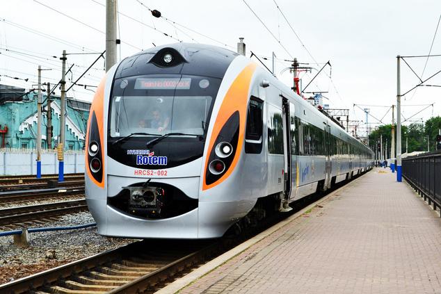 Напраздники вХарькове будет ходить поезд святого Николая