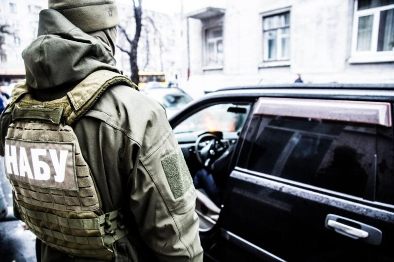 Чиновник Генпрокуратуры, пытавшийся вручить взятку, отправлен под круглосуточный домашний арест