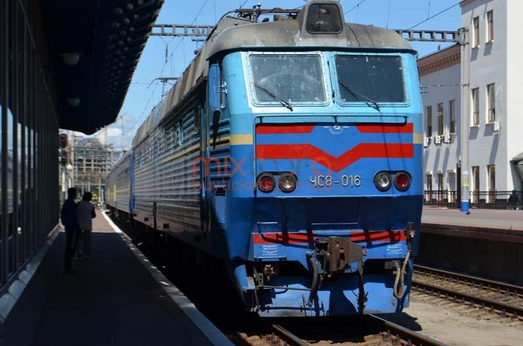 «Укрзализныця» назначила дополнительный поезд нановогодние праздники