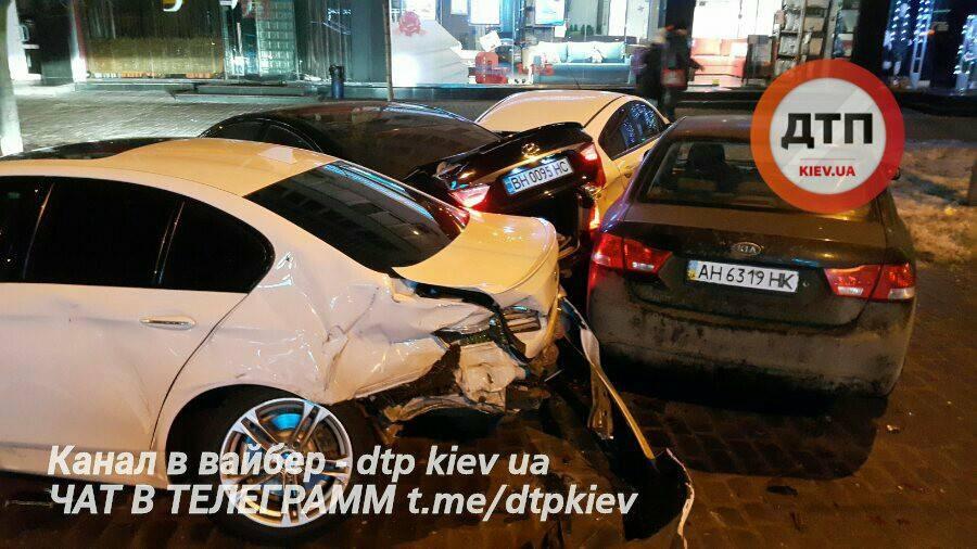 Нетрезвый шофёр разнес 4 авто вцентре столицы Украины