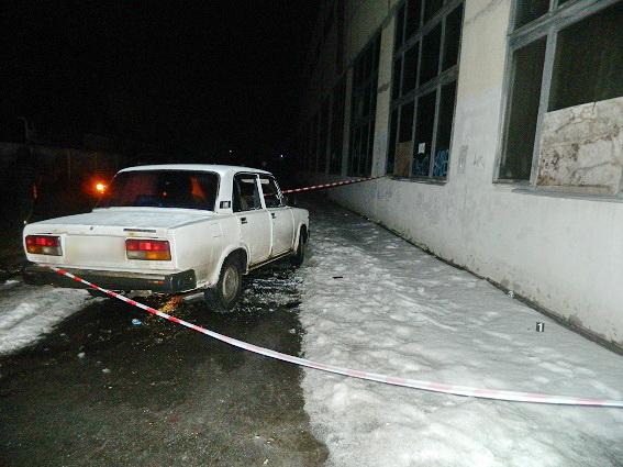 Злоумышленники вКиеве остановили автомобиль иотобрали уводителя млн. грн