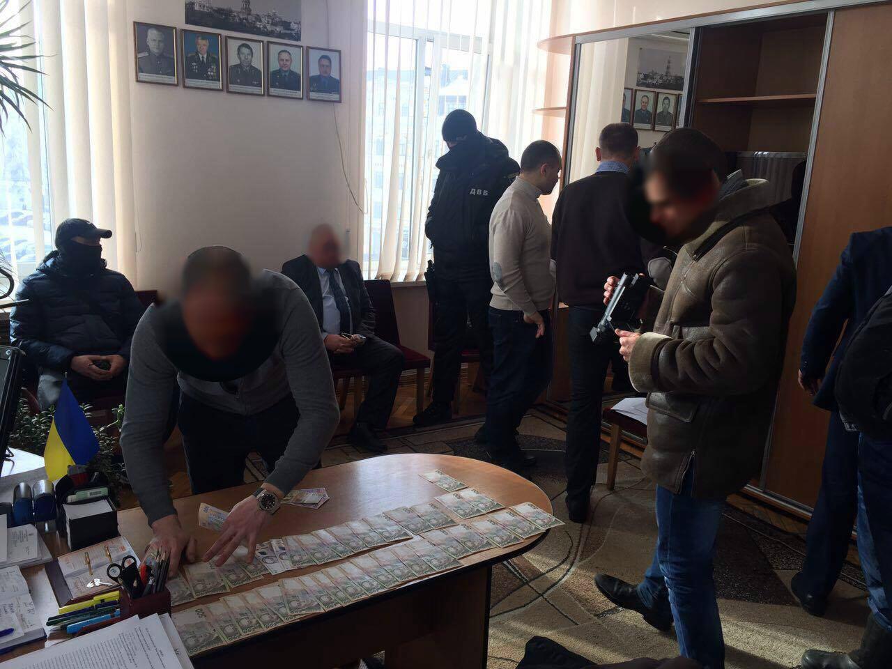 Чиновники присвоили практически 10 млн изпремий киевских полицейских