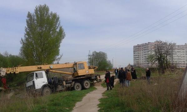 Жители Вишневого начали бессрочную акцию в защиту городских земель от застройки