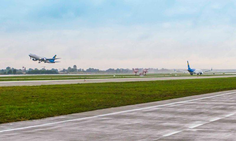 Самолет вернули ваэропорт «Киев» после 20 минут полета из-за разгерметизации салона