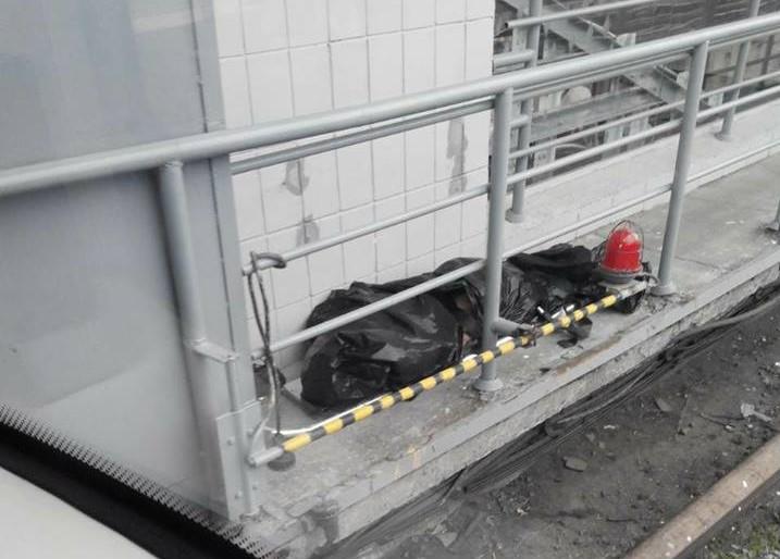 ВКиеве наДарнице мужчина умер под колесами поезда метро