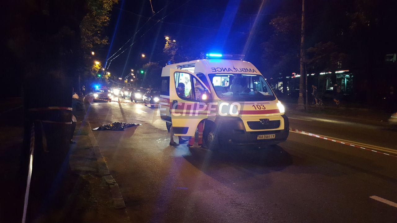 ВКиеве под колесами авто умер ребенок