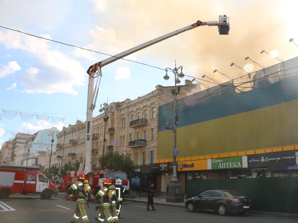 Сооружение наКрещатике может обрушиться после пожара