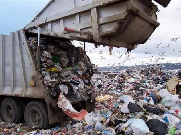 Под Киевом задержали две фуры львовского мусора
