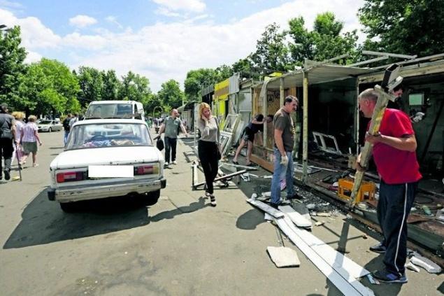 Снос МАФов на Контрактовой площади в Киеве связывают с планами строить новый ТРЦ