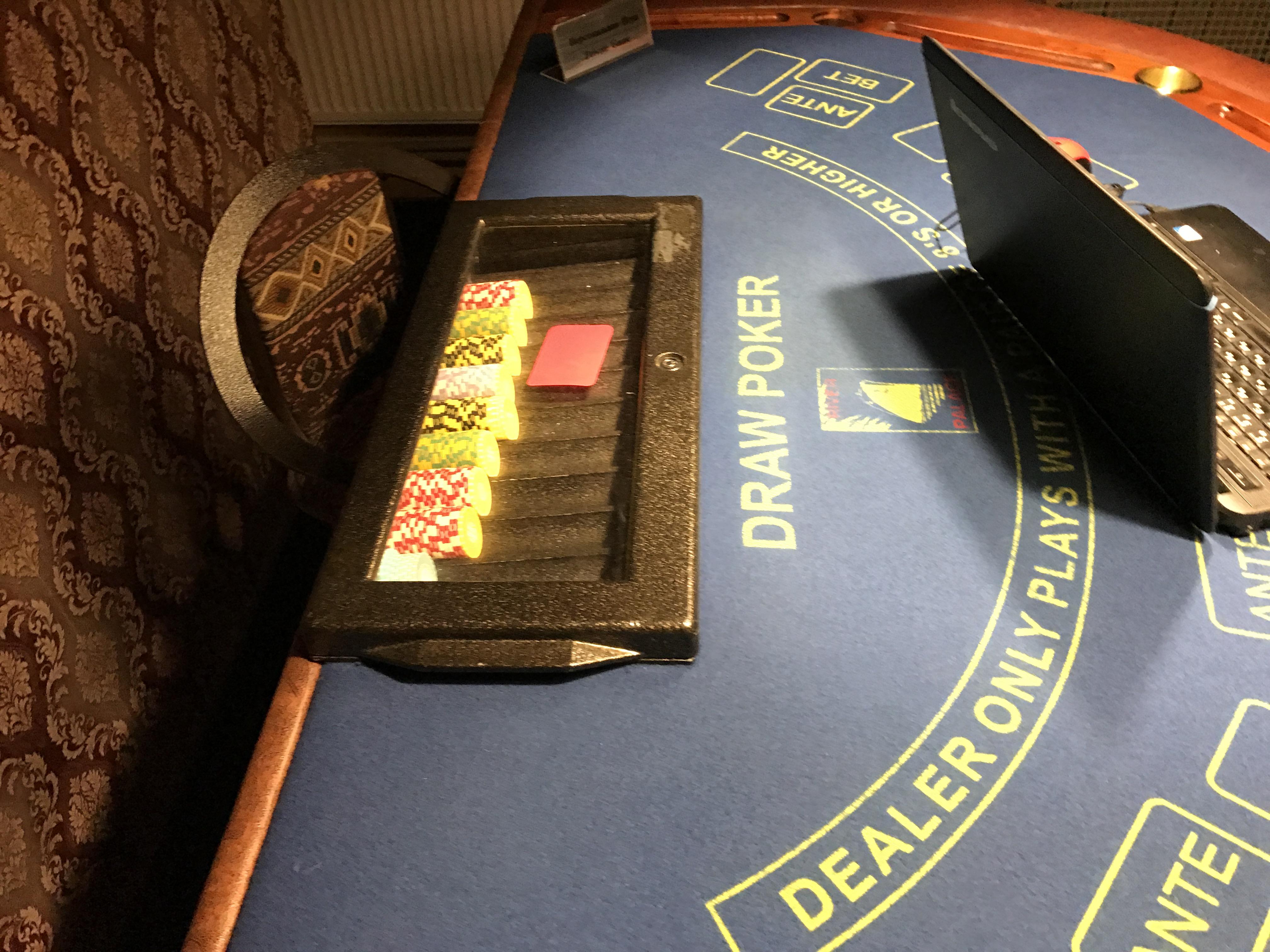 Какие наказание нелегальные казино игровые аппараты казино кристалл