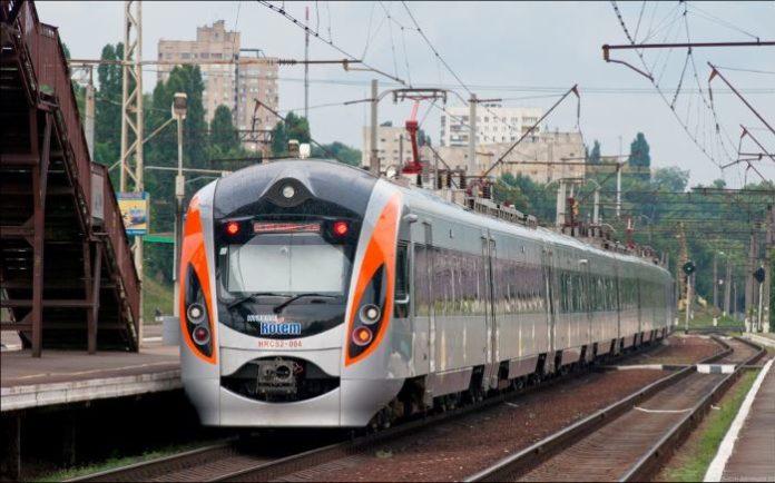 «Укрзалізниця» начала онлайн реализацию билетов на высокоскоростной поезд вПольшу