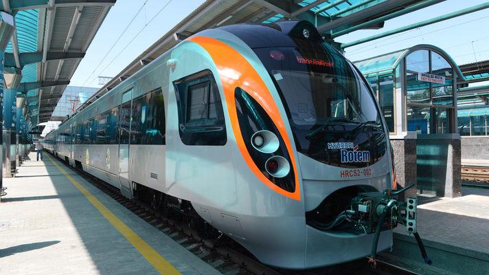 Скоростной поезд Киев - Одесса в сентябре осуществит дополнительные рейсы b931a0cf50e81