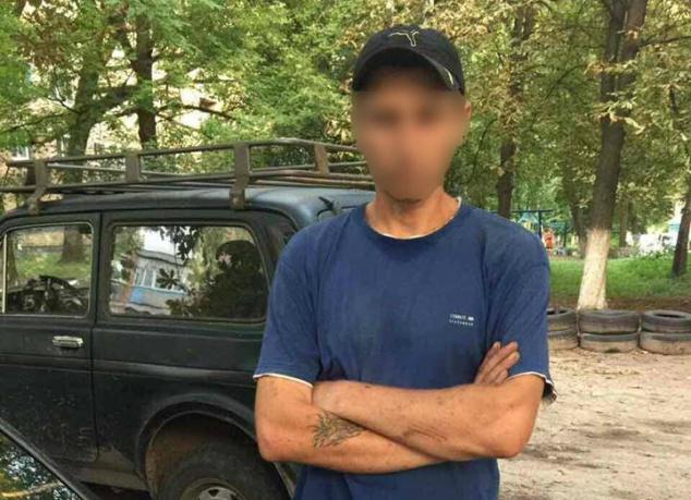 Полиция Киевщины на территории школы задержала распространителя метадона (фото)