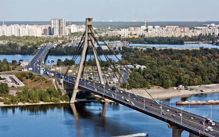 Московский мост вКиеве переименуют