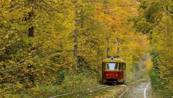 В Оболонском районе трамвайные пути начнут ремонтировать не раньше, чем через несколько лет