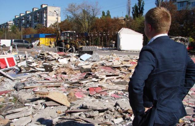 Коммунальщики Киева обещают на Братиславской вместо МАФов сделать парковку