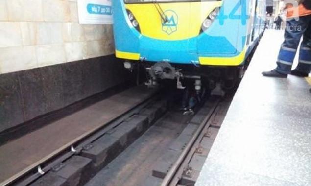 порно в на станции метро-оо1
