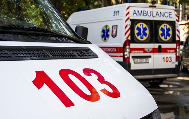 ВКиеве 15-летний парень умер, перелезая через железный забор