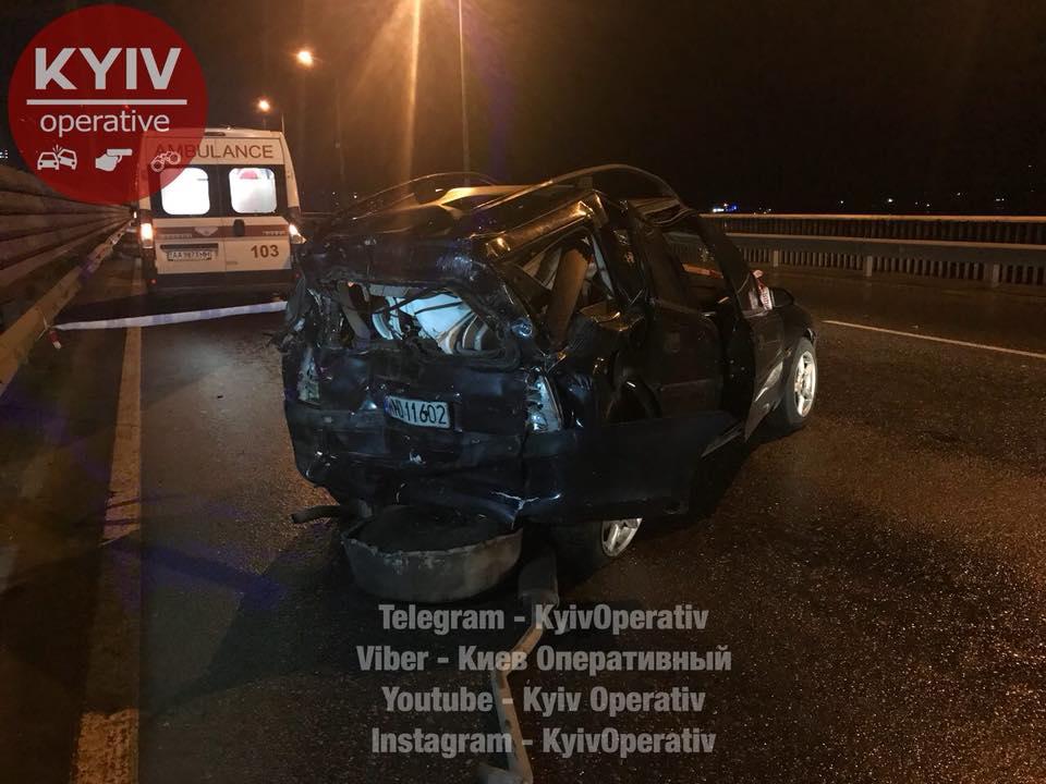 ВКиеве бензовоз врезался в Опель: необошлось без жертв