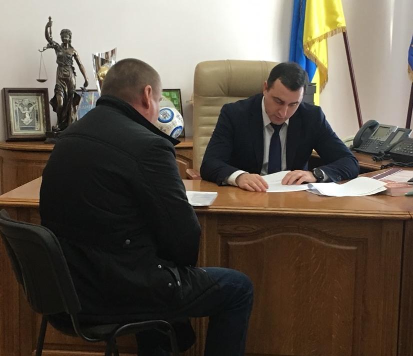 НаКиевщине депутат пальнул изружья поселянам: есть раненые