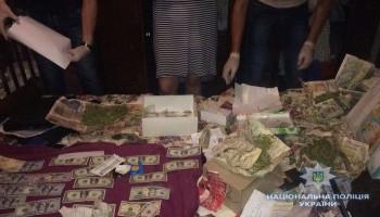Полицейские Киевщины ликвидировали межрегиональную сеть выездных борделей (фото)