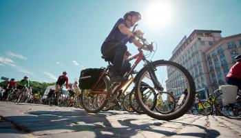 За год столичная власть не установила ни одной велосипедной стойки, несмотря на решение Киевсовета