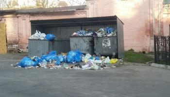 В Киеве действует оперативная линия для жалоб на несвоевременный вывоз мусора