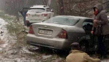 Первый снег в Киеве: столица в пробках, десятки ДТП, общественный транспорт курсирует с задержками