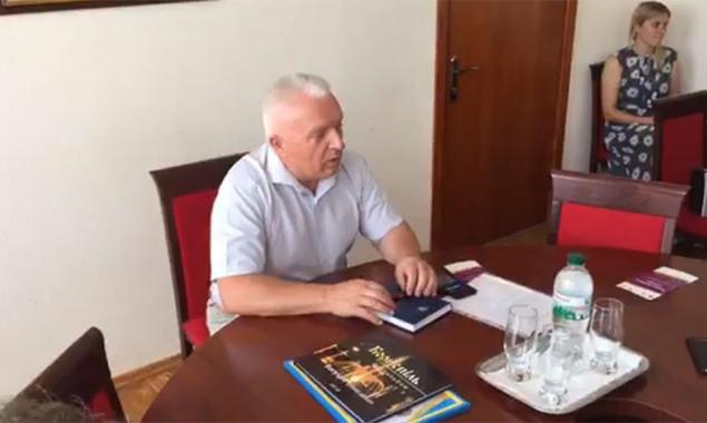 Мэр Борисполя Анатолий Федорчук прокомментировал информацию о получении взятки своим заместителем и обысках в горсовете