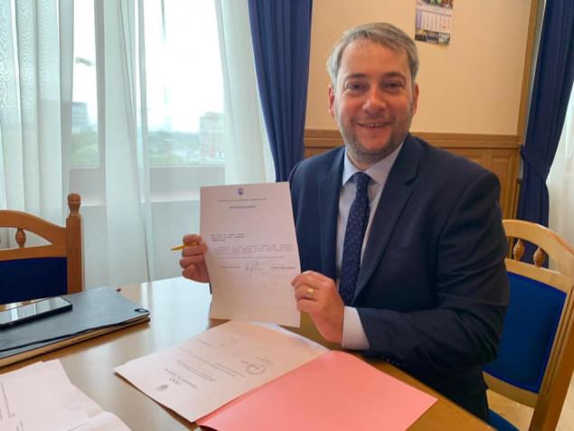 Губернатор Бно-Айриян подписал первое распоряжение