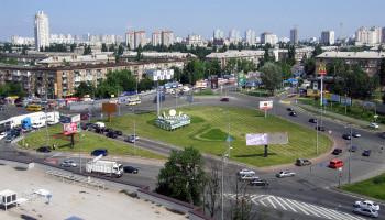 В ночь на 19 и 20 октября будет частично перекрыта Дарницкая площадь в Киеве (схемы объезда)