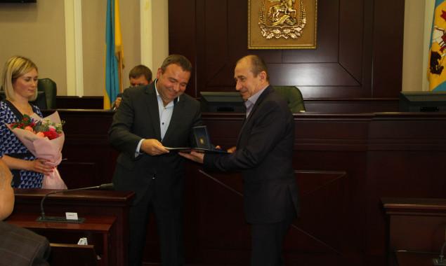 В 2020 году Киевоблсовет потратит на подарки и грамоты 100 тыс. гривен