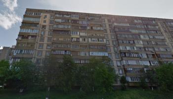 От столичной власти требуют немедленно завершить проект по укреплению домов по ул. Ушакова от оползней