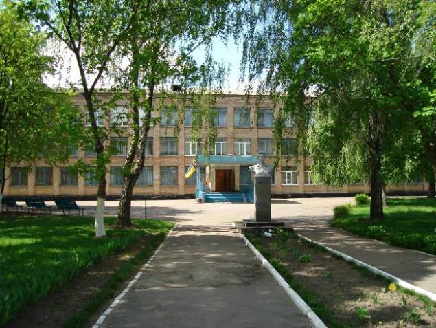В селе Бышев планируют построить спортплощадку на территории школы