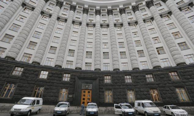 В Киеве не могут найти место и средства на возведение монумента Соборности и памятника Петлюре