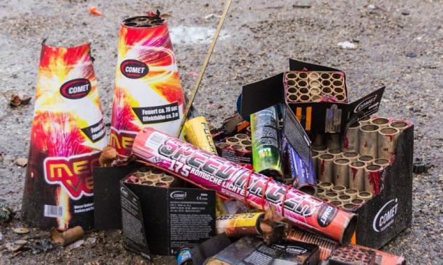 Школам Киева запретили использовать открытый огонь и пиротехнику во время новогодних праздников