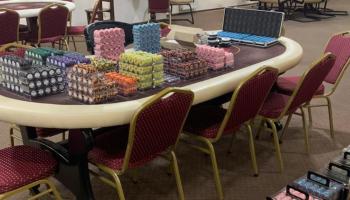 В Киеве полицейские разоблачили подпольный покерный клуб и конфисковали игровые фишки на 300 млн гривен (фото)
