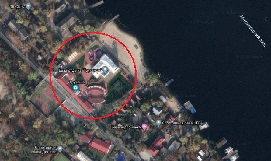 """Ударний лобізм: в Київраді допомагають Плачкову легалізувати """"базу відпочинку"""" на Трухановому острові"""