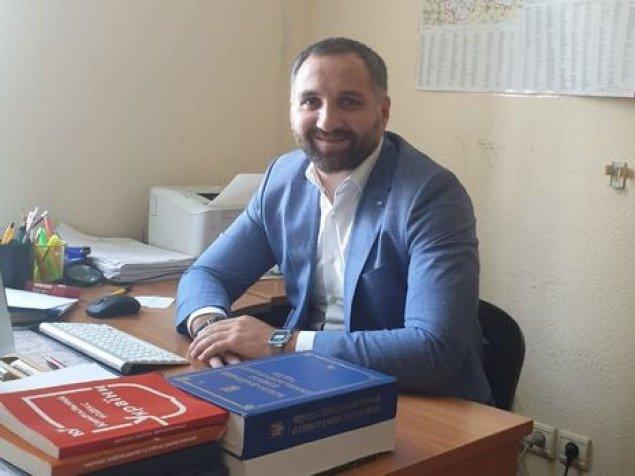 Прокурор из Киевской области, он же родственник Эльбруса Тедеева, спас водителя упавшего в Русановский канал авто - журналист (видео)
