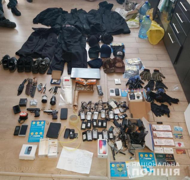 На Киевщине полиция задержала ОПГ по подозрению в серии разбойных нападений на предприятия области (фото, видео)