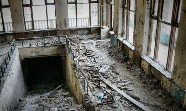 В Днепровском районе Киева проведут ревизию заброшенной недвижимости школ и больниц