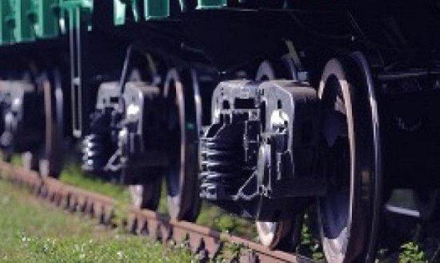 """Сотрудников локомотивного депо станции """"Дарница"""" подозревают в хищении 74 тонн дизельного топлива"""