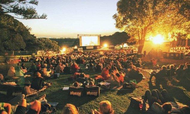 В столичном Парке воинов-интернационалистов открывается бесплатный кинотеатр под открытым небом